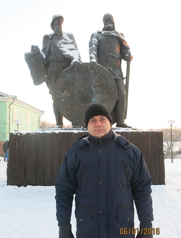 Рюрик (слева) и Олег в Старой Ладоге
